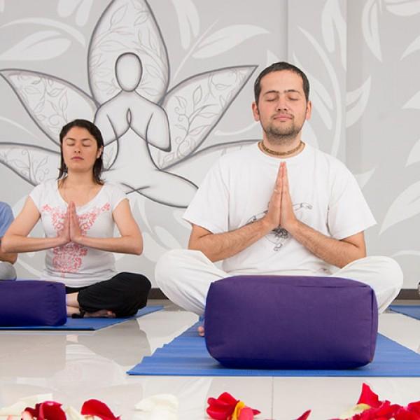 Yoga 4 Clases -Practicantes